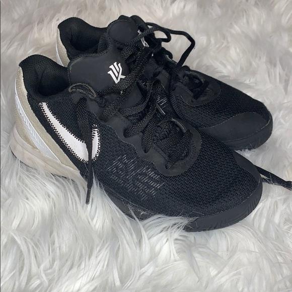 Nike Shoes   Nike Kyrie Irving Shoes